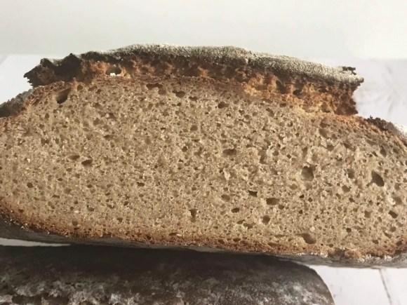 Klassisk fransk bondebrød har en tæt og lækker krumme