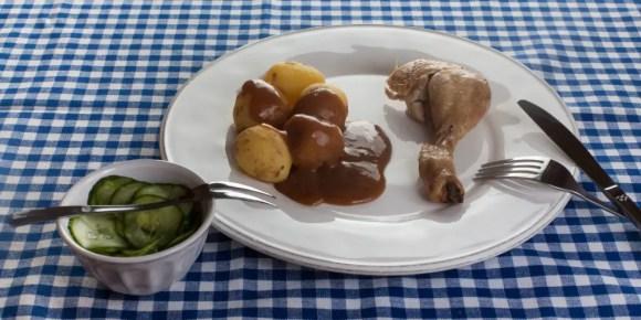 mormor-kylling-med-agurkesalat2