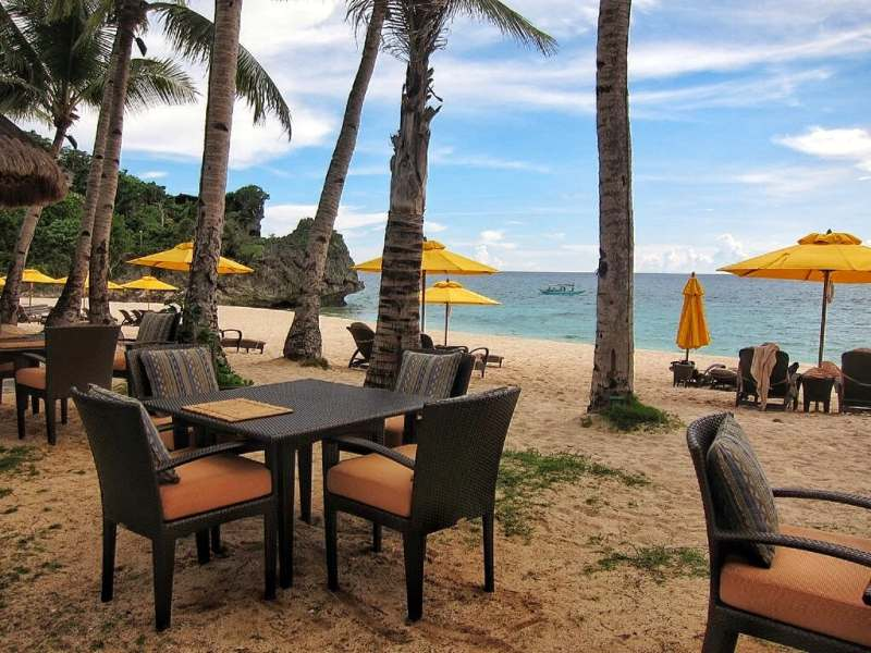 Dining by the Banyugan Beach