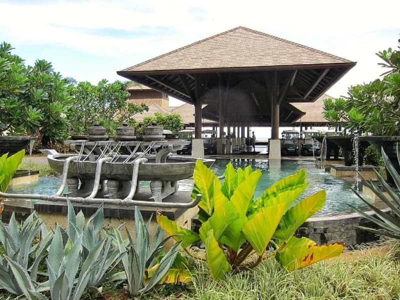 Main entrance of the resort.