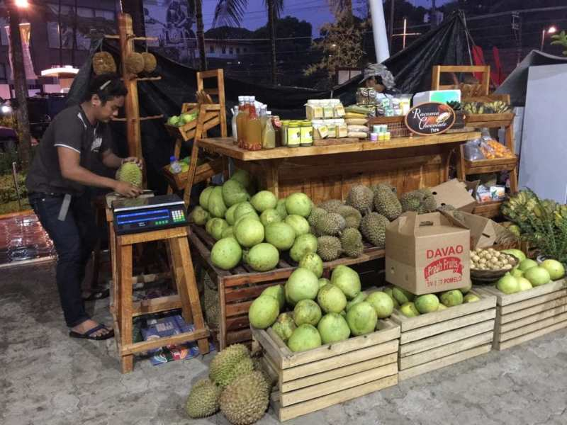 foodicles-davao-8-abreeza-mall-fruit-market