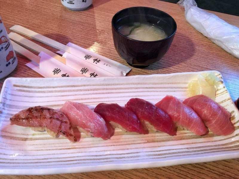 foodicles-tsukiji-market-toro