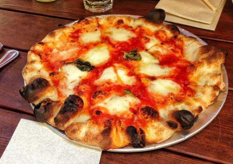 Pizzeria Delfina Margherita Pizza