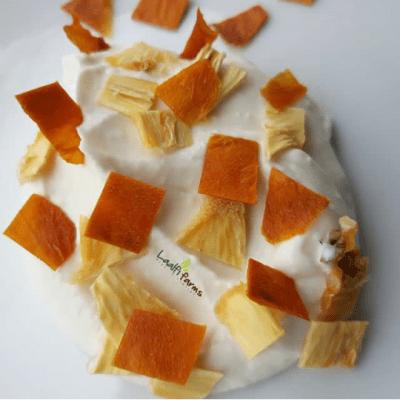 Dried mango and dried pineapple