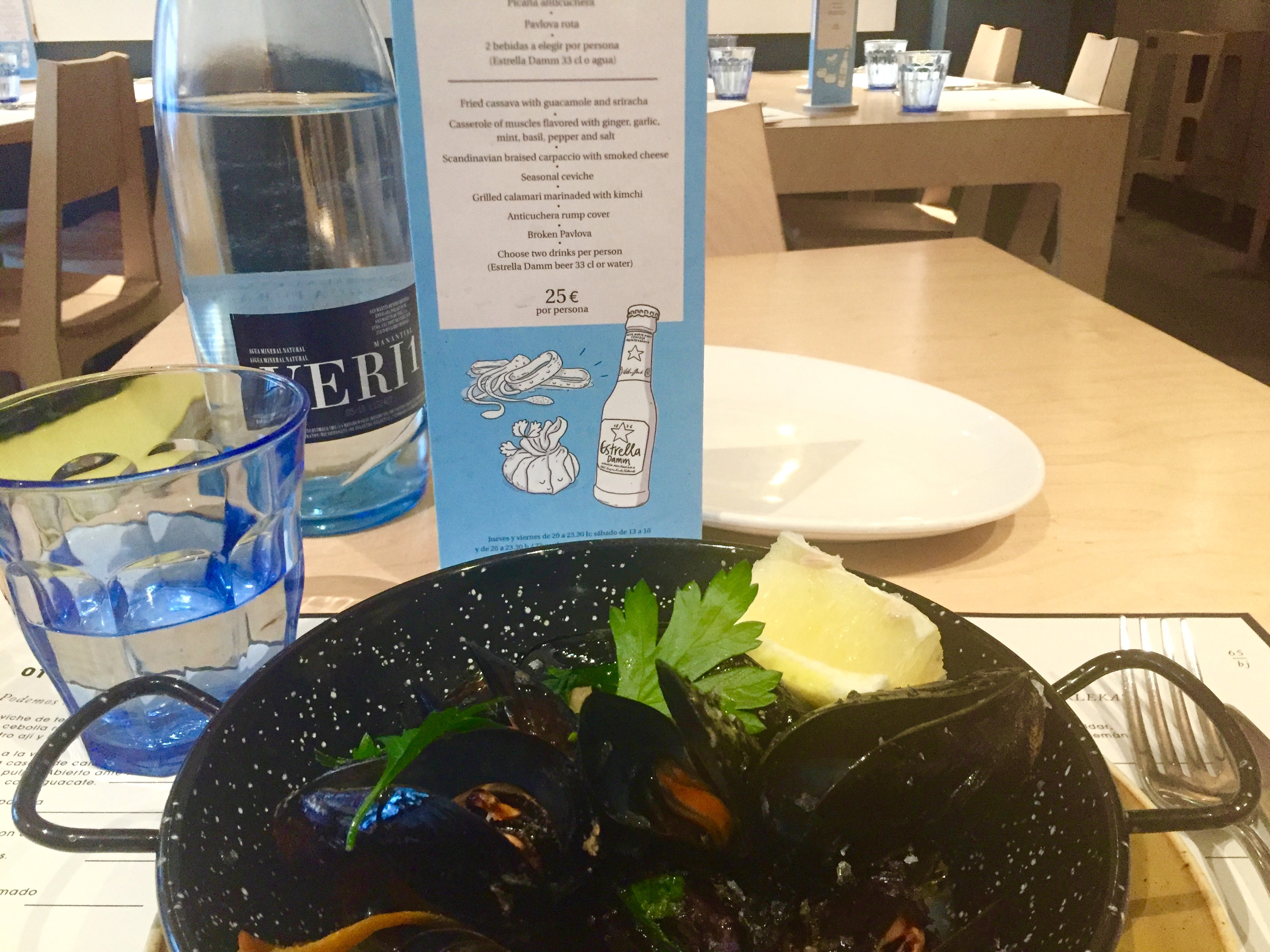 'aromatic' mussel dish at Leka