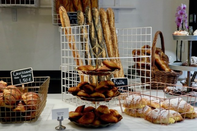 The counter at Mayer Bakery Barcelona