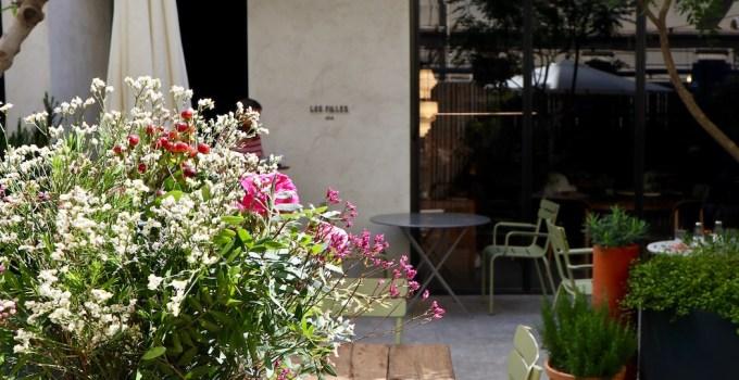Les Filles a Good Looking Cafe in Gracia