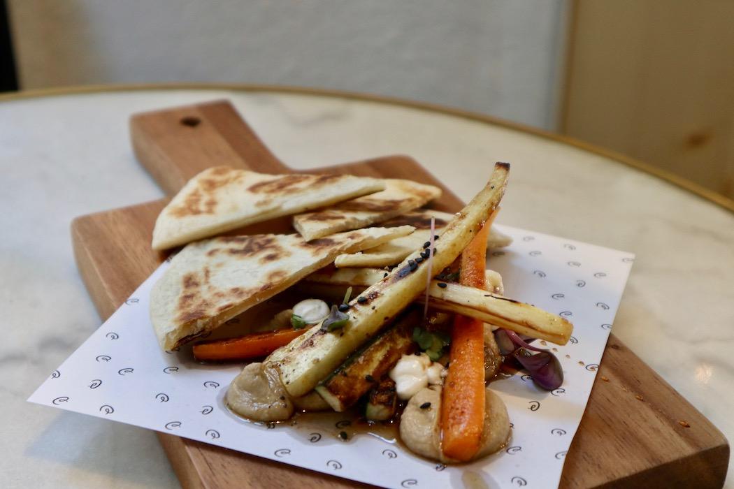 Black garlic hummus at La Catalista