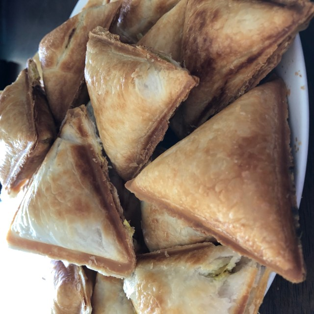 Potato Pea Samosas Using The Aldi Samosa Maker Foodie Mumma Ren