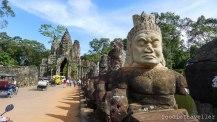 Siem Reap: Naga Bridge