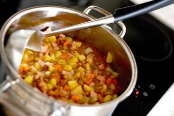 Minestrone, juha od povrća bogata je okusima i iznimno zdrava i ukusna
