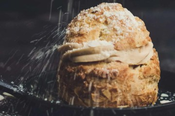 U svijetu slastica važno je poznatvati osnovne kreme iz kojih se stvaraju složeniji kolači i torte. Ovih 5 receepata jednostavno morate znati!