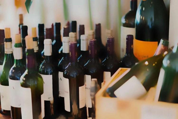 Kod kuhanja s vinom i alkoholom treba znati da alkohol nikada ne ispari u potpunosti.