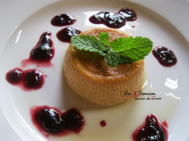 flan_au_giraumon_coulis_de_groseille_les_3_fermiers foodiles.jpg