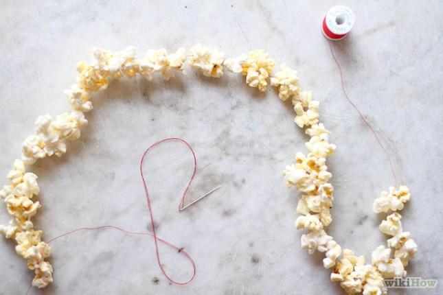 670px-String-Popcorn-on-a-Christmas-Tree-Step-3