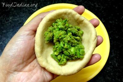 green pea paratha 4