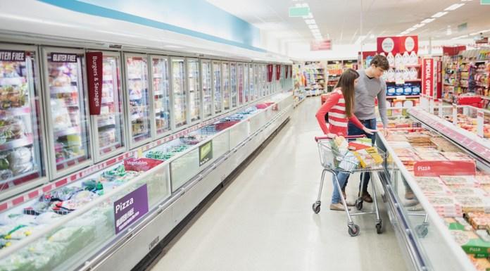 Millennials grocery shopping