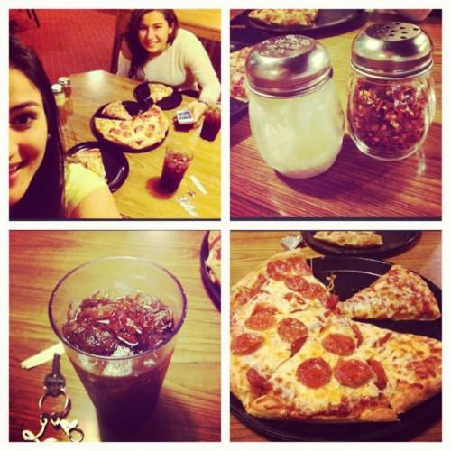 Round Table Pizza In Vacaville Ca 3045 Alamo Drive Foodio54 Com
