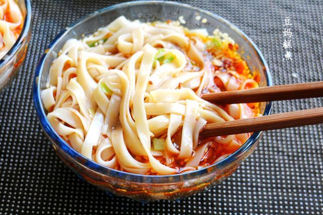 家常面条,5分钟煮一碗,鲜美营养少花钱