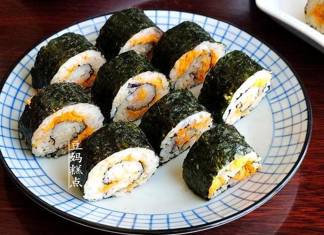 孩子不爱吃饭学做这2种寿司,2碗米饭不够吃