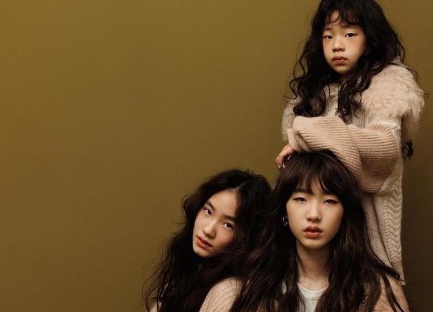 小s三个女儿一起拍广告同框比美,个个高冷自信