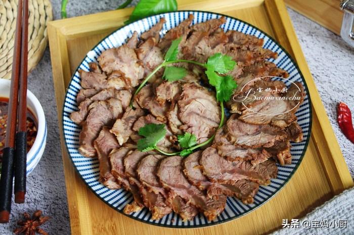 很靠譜的醬牛肉做法,年夜飯上每年必備電飯煲就搞定