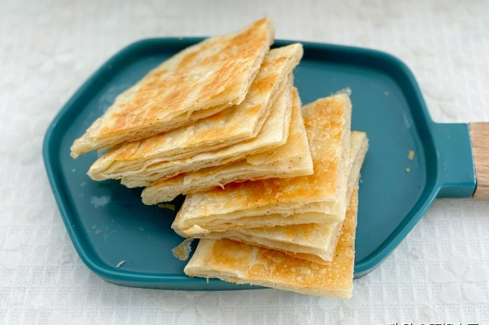 教你椒鹽油餅家常做法,外酥里香香酥掉渣