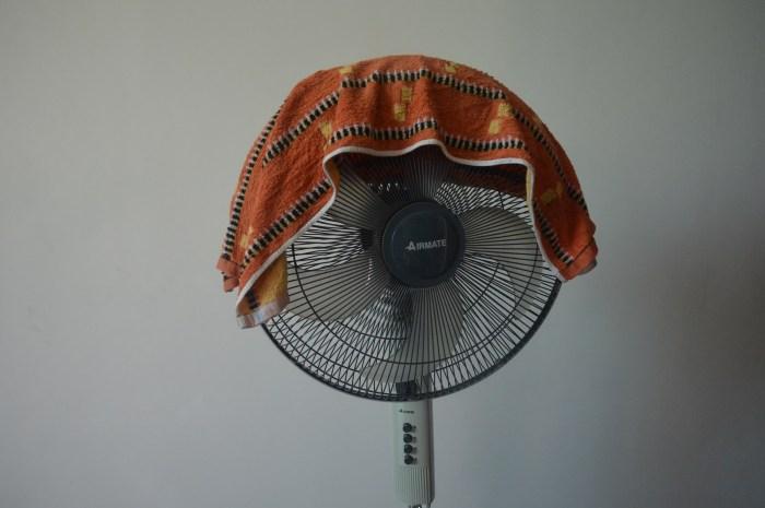 夏天开风扇,记得要在上面盖一条毛巾,知道的人还不多