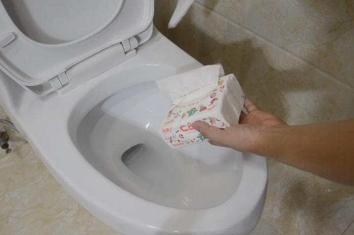 上完厕所,卫生纸是扔马桶还是扔进垃圾桶?不少人都做错了
