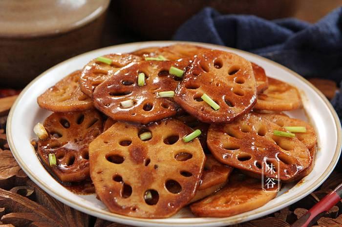 少吃大鱼大肉多吃藕,营养又润燥,简单一炒脆爽开胃