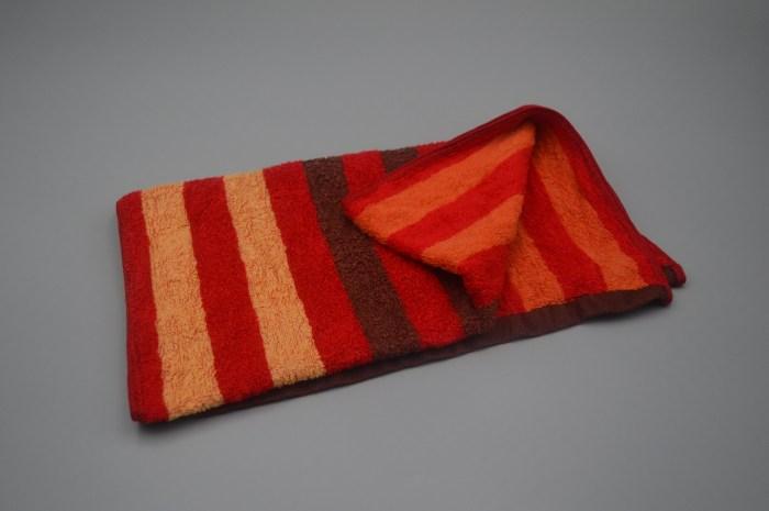 毛巾用久油腻有异味?教你一个清洗技巧,毛巾洗完柔软干净无异味