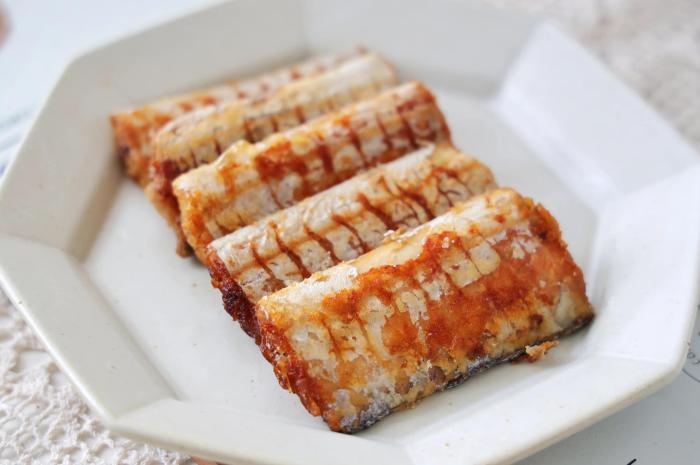 带鱼这样煎,肉质鲜嫩入味,而且简单好做
