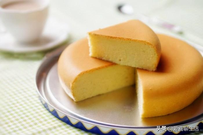 做电饭煲蛋糕,无需烤箱也不用打蛋器,出锅蓬松暄软又香甜