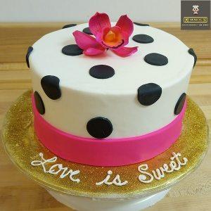 customized cake love birds