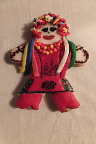 Ukrainian dancer gingerbread woman2