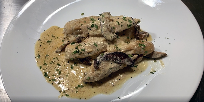 Healthy Chicken with Wine and Mushrooms
