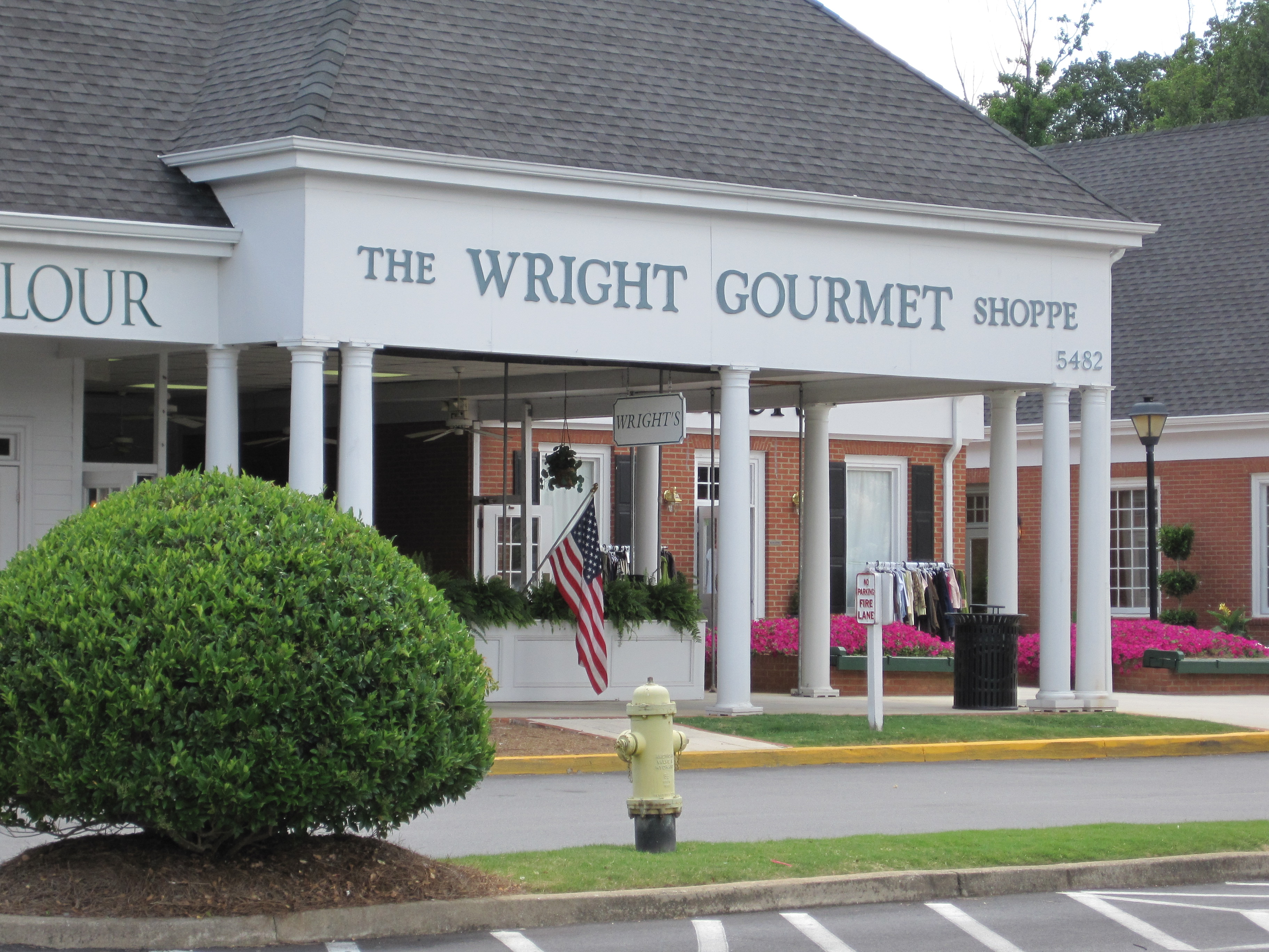 Front of Wright's Gourmet.