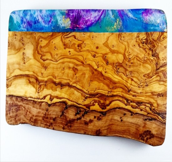 Olive Wooden Board with Resin Colour - www.foodnerd4life.com