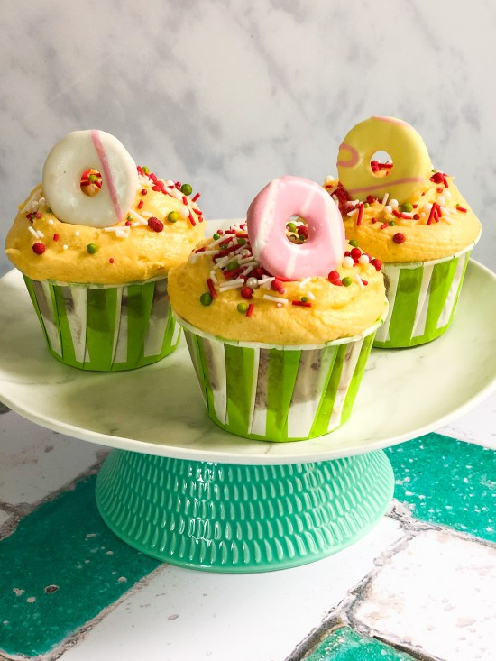 Strawberry and Custard Cupcakes on cake stand - www.foodnerd4life.com