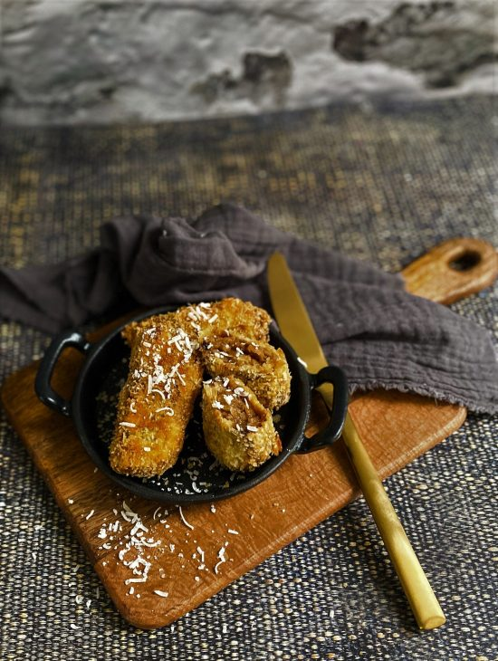 French Onion Soup Croquettes Recipe on Cast Iron Dish- www.foodnerd4life.com