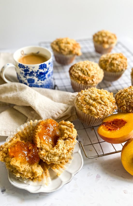 Breakfast Peach Jam Middle Muffins with Streusel Topping Recipe- www.foodnerd4life.com