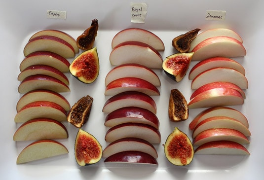 Apple tasting plate, accompanied by fresh and confied figs and pecan nuts