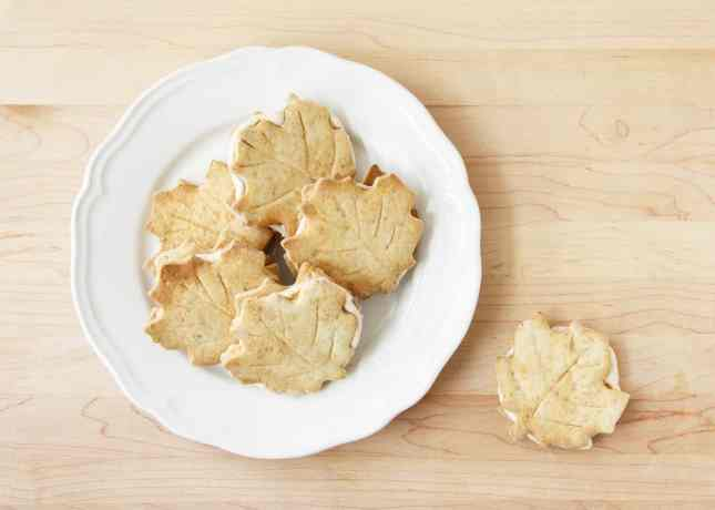 Homemade Maple Leaf Cookies // FoodNouveau.com