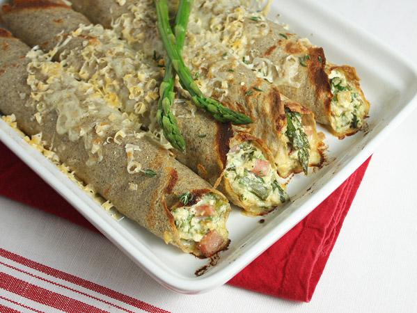 Asparagus, Ham and Ricotta Baked Crêpes // FoodNouveau.com