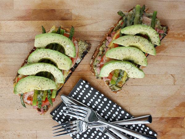 Hearthy Ham, Asparagus and Avocado Tartines // FoodNouveau.com