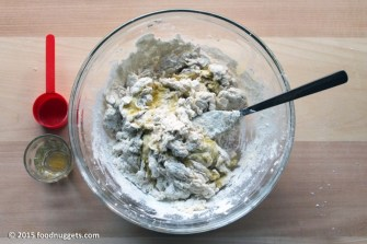 3. Unisci olio e sale e mescola