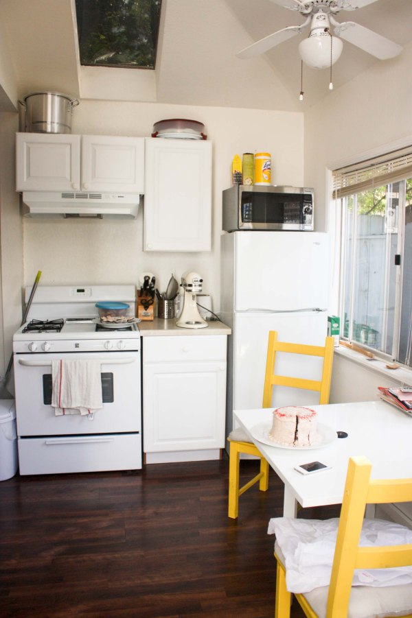Tiny Studio Apartment Kitchen Ideas