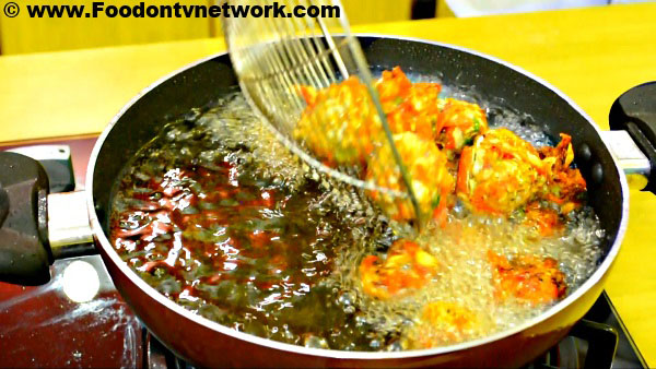 How to Make Veg Manchurian Recipe.