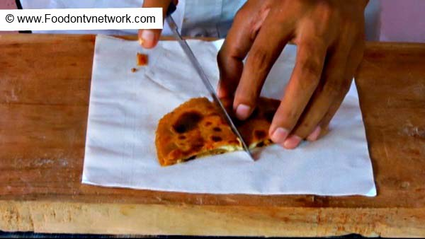 How to Make Cheese & Apple Paratha Recipe.