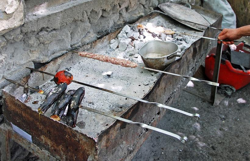 Ordubad - Shora Cheshme Restaurant - Mangal